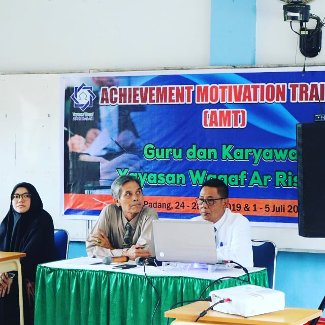 Guru Ar Risalah Ikuti Achievement Motivation Training