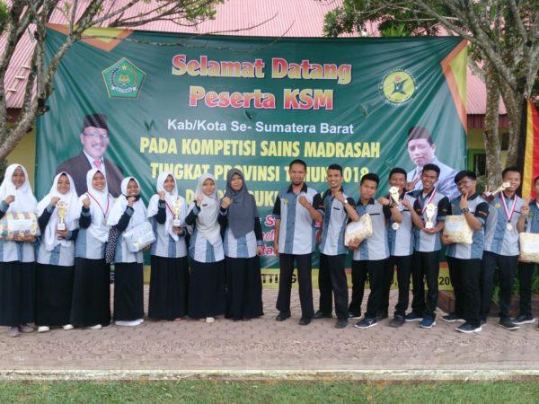 Ar Risalah hantarkan Kota Padang Raih Juara Umum KSM Tingkat Sumatera Barat