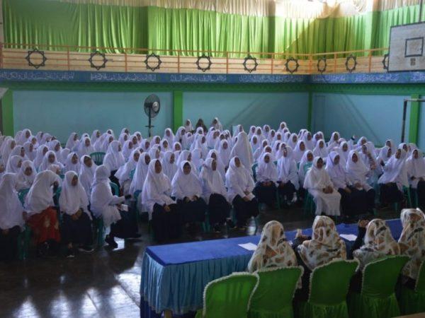 Santri Baru Perguruan Islam Ar-Risalah Dibekali Bahasa Arab