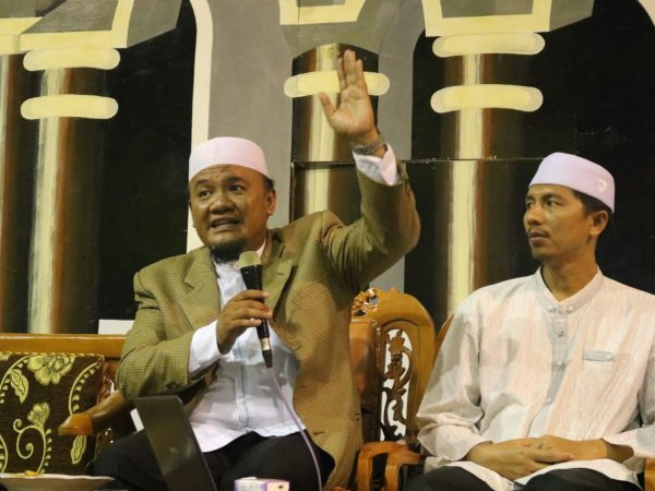 KH. Dr. Agus Setiawan, MA Berikan Taujih di Perguruan Islam Ar Risalah