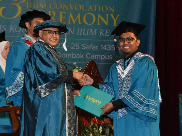 Hizbi Tuntaskan S2 di IIUM dalam 2 Tahun