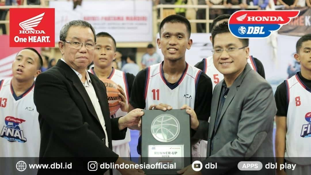 """MA Ar Risalah Sumbar Buktikan """"Anak Pesantren"""" Dapat Berbicara Di Kejuaraan Basket Bergengsi Honda DBL West Sumatera 2019"""