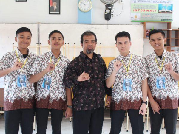 Siswa, Guru Hingga Pimpinan Yayasan Ikut Sukseskan Pemilu Siswa 2019