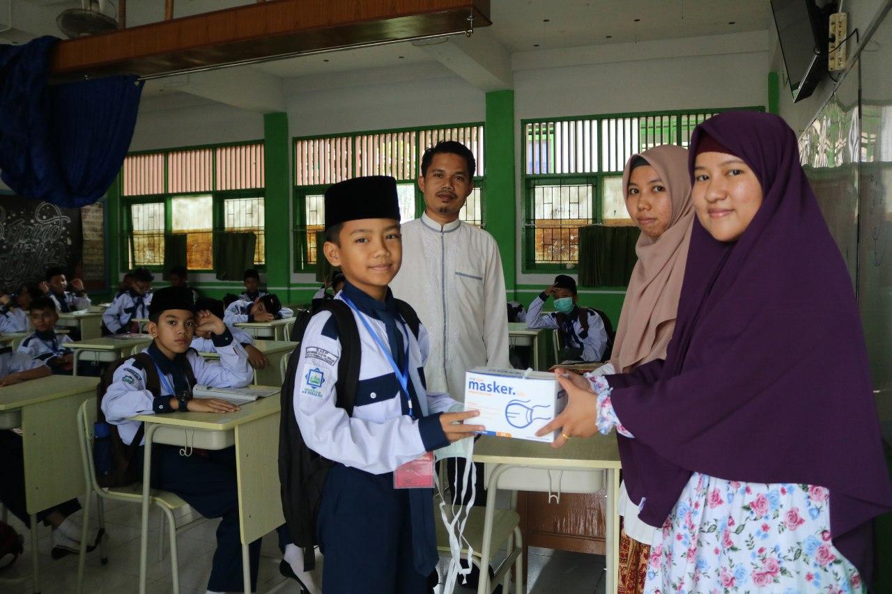 LAZ Risalah Charity Bagi-Bagi Masker