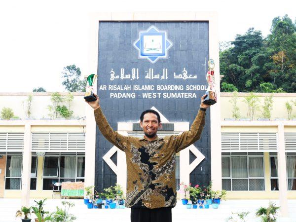 Guru MA Ar Risalah Padang Ukir Prestasi dalam Inovasi Media Pembelajaran