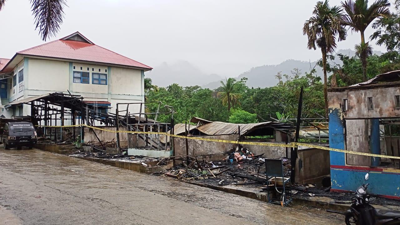 Kebakaran di Ar Risalah Habiskan 5 Kios Usaha